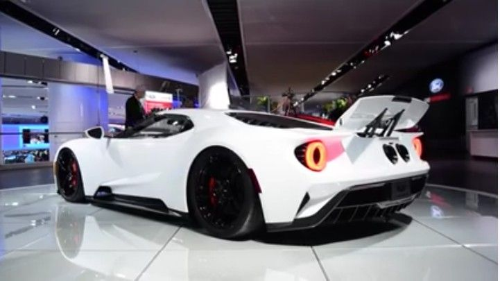Yesterday, we ran through a list of everything that's changed on the Ford GT for production from the original car shown last year in Detroit. Now we have video of the new Ford Motor Company [NYSE:F] supercar going into race mode courtesy. ALSO SEE: Here's What Changed On The Ford GT For Production...