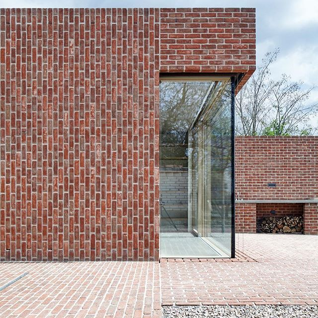 The Brick House in Brick Garden, designed by Jan Proksa and photographed by Photography&Concept studio BoysPlayNice @boysplaynice uses a traditional material, brick, to create crisp volumes with neatly flowing surfaces/ Discover the full project on Architizer.com  .  .  .  .  #architizer #architecture #janproksa #brickhouse #czechrepublic