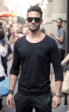 you want a change to look unique and stylish? Then it is high time to get  inspiration from men street style fashion.We bring Popular Street Style  Fashion