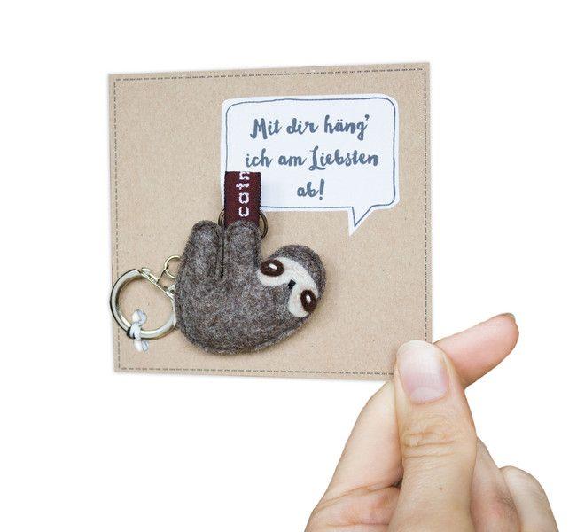 Schlüsselanhänger - Einfach mal faul sein! - Faultier zum Mitnehmen - ein Designerstück von Catmade bei DaWanda