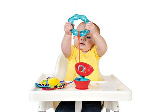 12 gadgets για το μωρό που θα σας λύσουν τα χέρια