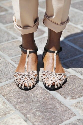 sandals + cuffed pants