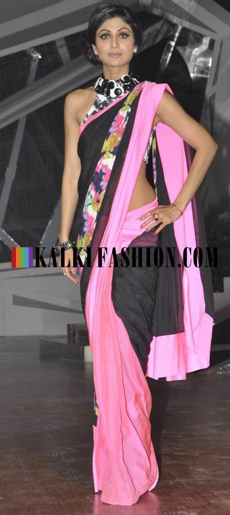 http://www.kalkifashion.com/ Shilpa Shetty shows her fabulous figure  in Shivan and Naresh Saree on the set of Nach Baliye.