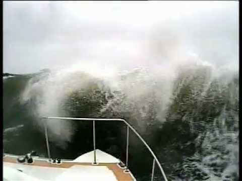 Rough seas in Ocean Ranger 2011