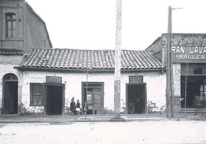 Avenida Providencia entre José Miguel Claro y calle Manuel Montt. Santiago, septiembre de 1922.