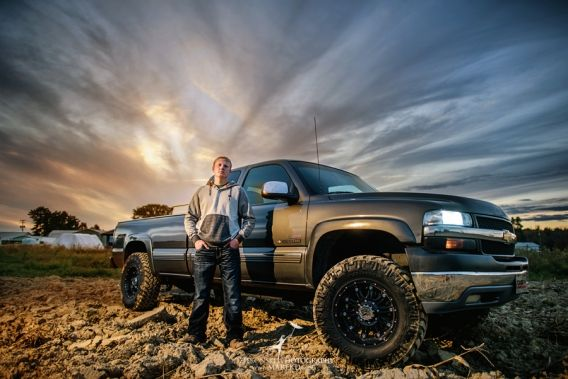 ryan-senior-pictures-photographer-farm-chicken-pet-tractor-combine-truck-sunset-memphis-michigan-field-corn02