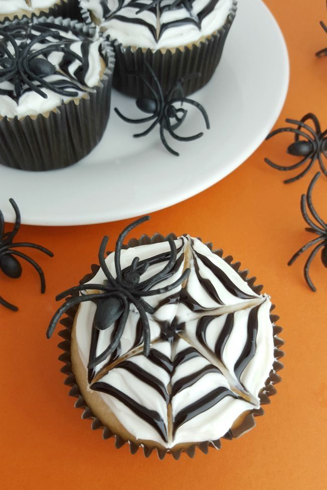 125 best Halloween Cupcakes images on Pinterest Halloween cupcakes - halloween cupcake decor