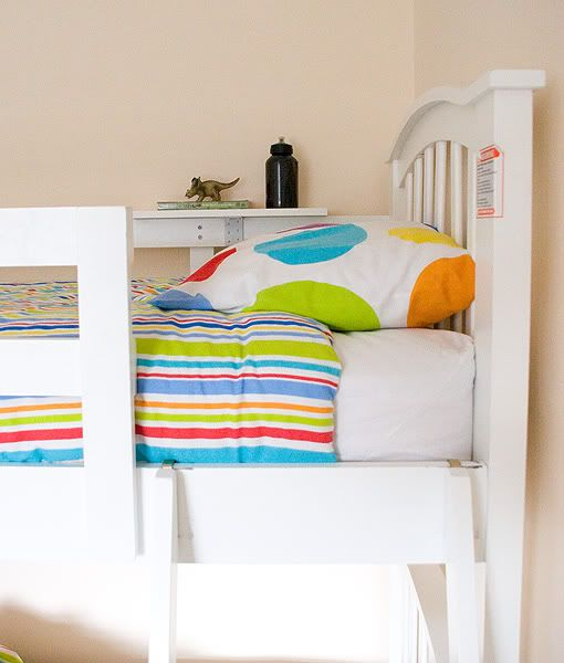 homemade and removeable and easy bunkbed shelf. Black Bedroom Furniture Sets. Home Design Ideas