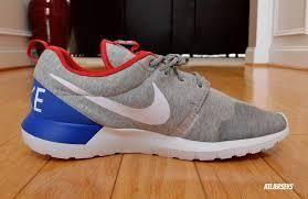 Goedkoop Discount Nike Roshe Run NM Vrouwen Schoenen Lichtgrijs Blauw Rood en Nieuwe Nike Schoenen Vrij te Koop