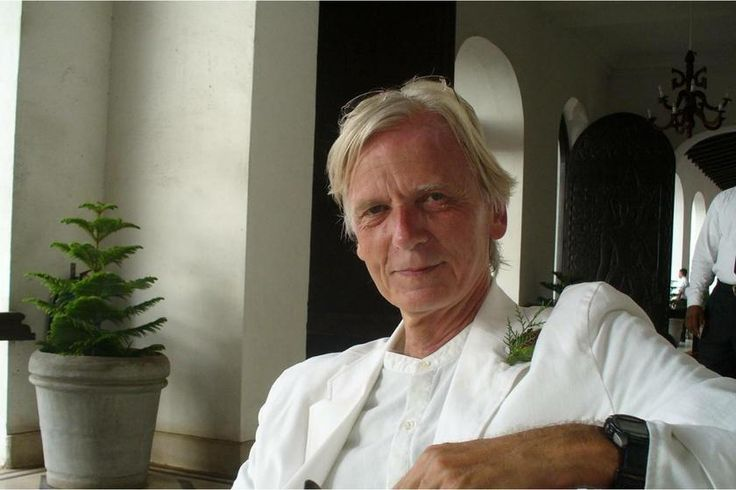 John Randall's page on about.me – http://about.me/bk0047