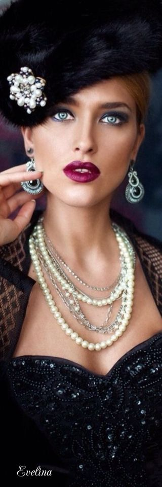 Red lipstick and pearls♡♡♡♡♡