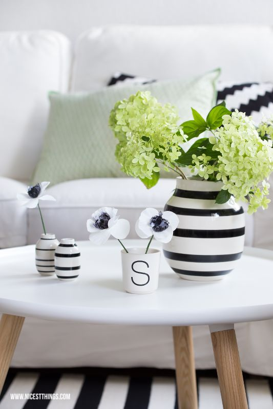 Living Room / White, Black, Green / Hydrangea / Normann Copenhagen, Kähler Omaggio, Bloomingville, Ikea