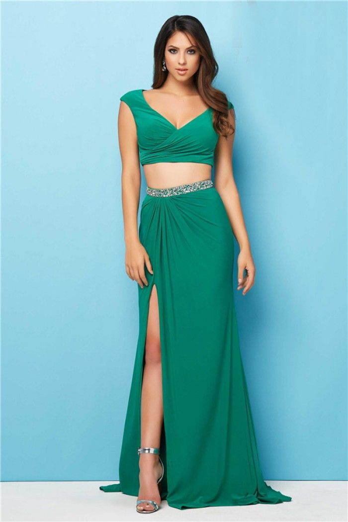 45 Best Emerald Green Prom Dresses Images On Pinterest