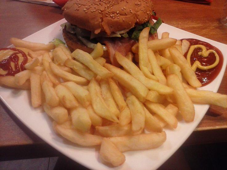 yummyyy burger time