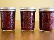 Canning Granny: We Be Jammin'... Bluebarb Jam