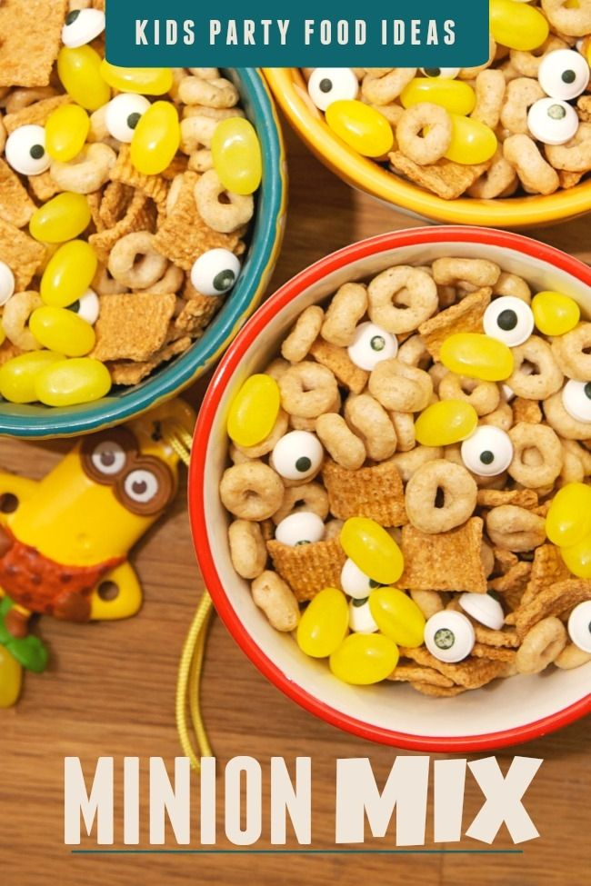 Kid's Party Food: Minion Mix #The7thMinion .  Honeynut cheerios, golden grahams, yellow jelly beans and candy eyes