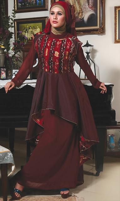 Abaya Sasirangan Merah Maroon - Termasuk inner,jilbab segi empat dan pashmina. Dzakirah boutique - $195.00