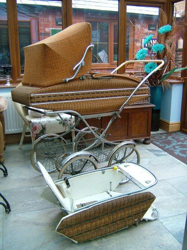 "Vintage Retro 1960's ""AUSTRIA"" WICKER CARRYCOT BABY PRAM & PUSHCHAIR COMBO 