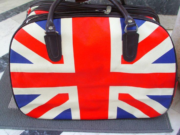 Βαλίτσες τσάντες ταξιδίου και καλοκαιρινές τσάντες στο http://amalfiaccessories.gr/bags/