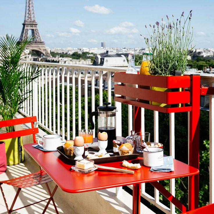 Se vuoi un tavolo da balcone moderno e funzionale bistro satinato di fermob e
