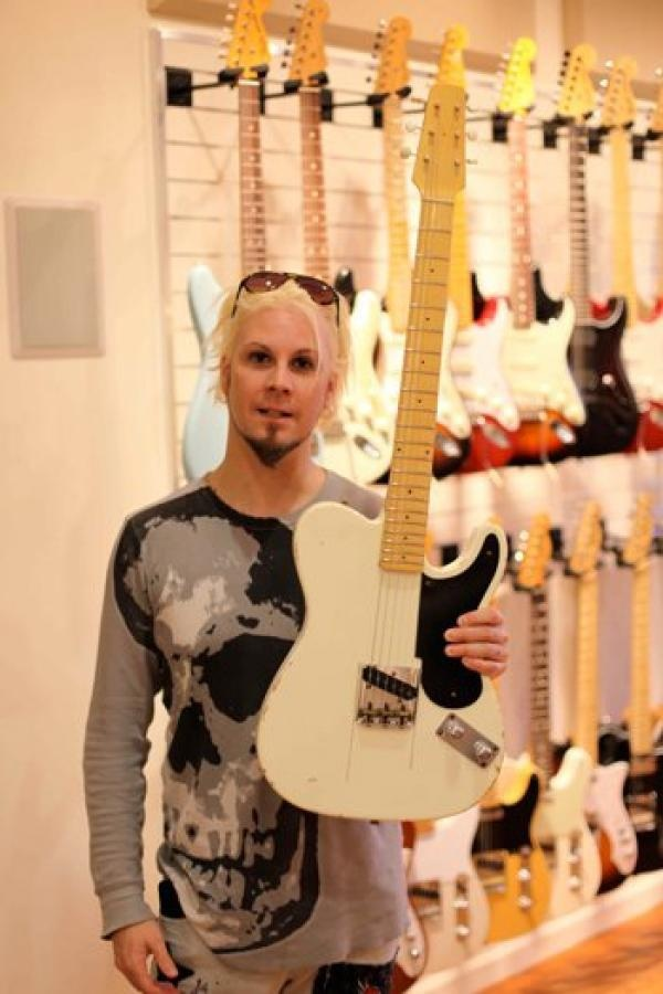 John 5  A skilled guitarist and song writer. Has worked with with David Lee Roth, Marilyn Manson and has  been with Rob Zombie now 10+ yrs.