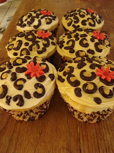leopard print cupcakes by Little Sweeties Cupcakes, via Flickr