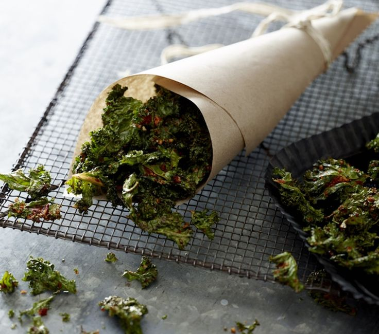 Kale Chips: Healthy Chips the Paleo Way!
