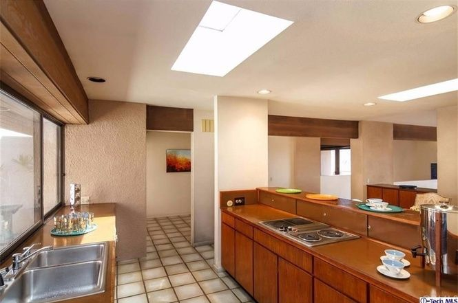 (i-Tech MLS) Sale Pending: 3 bed, 2 bath, 2287 sq. ft. house located at 130 Kenworthy Dr, Pasadena, CA 91105 on sale now for $1,375,000. MLS# 316006008. The Hollis House, 1978 Buff and Hensman FAIA. Offered f...