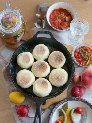 「スキレットでイングリッシュマフィン」vivian | お菓子・パンのレシピや作り方【corecle*コレクル】