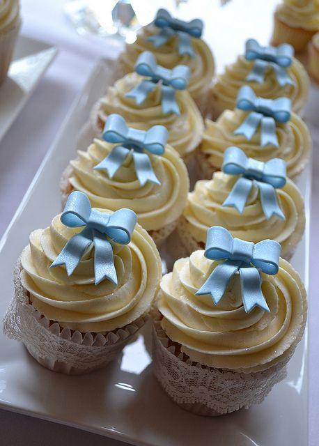 Christening Cupcakes | Flickr: Intercambio de fotos #chocolates #sweet #yummy…