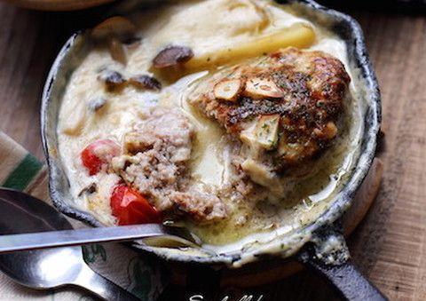 人気急上昇中のキッチングッズ「スキレット」。いつものおかずの魅力が倍増するスキレットのレシピを紹介!