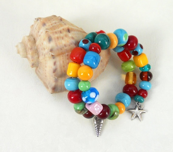 Handmade glass beaded bracelet by asteriascollection on Etsy, $20.00