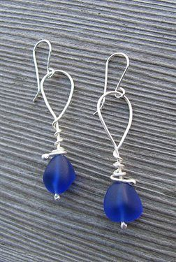 Cobalt Twig Wrap - Jewelry Making | http://coolearringscollections.blogspot.com