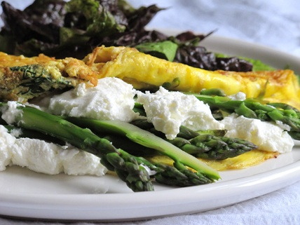 Asparagus and goat cheese omelet. Yummy!