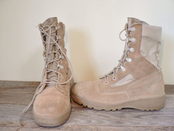 Combat boots  size 9.5 women's desert by TwentiethCenturyFind