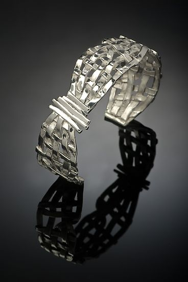 Cuff | Chi Cheng Lee. 'Woven Basket'.  Sterling silver.