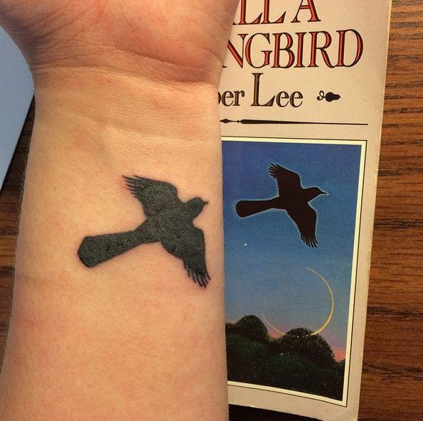 30 wunderschöne Tattoos für alle, die Bücher lieben