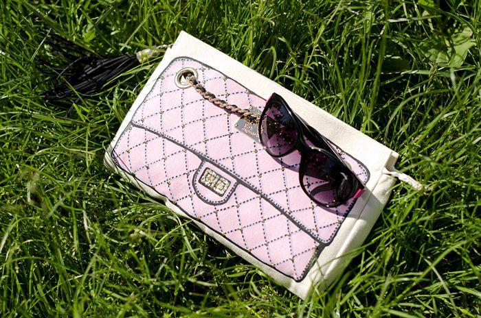 Sting eyewear + Fun is not expensive bag #lauracomolli #pursesandi #fashion #fashionblogger #style #details #look #funisnotexpensive #bag #stingeyewear #pink #gioya #turin #ss2013 #spring #grass #cute #beauty #beautiful #nature www.pursesandi.net