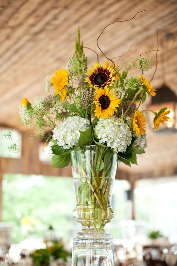 Best sunflower table arrangements ideas that you will