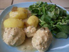 Königsberger Klopse (vegan)   pepper&salt - zwar habe ich sie nie im Original gegessen, aber dieses Rezept könnte ich mal mit Mama ausprobieren...