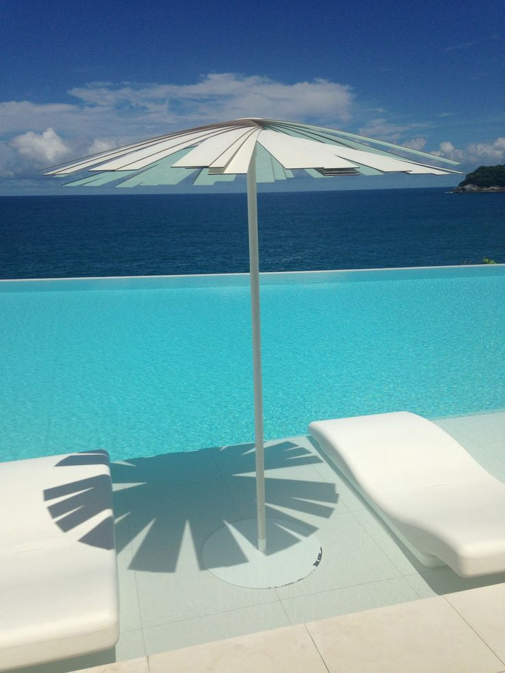 Super cool sun umbrella poolside at Kata