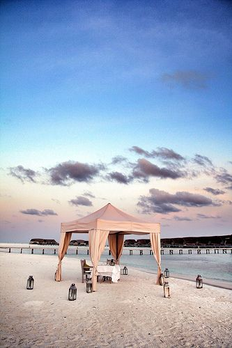 tent dinner (maldives)
