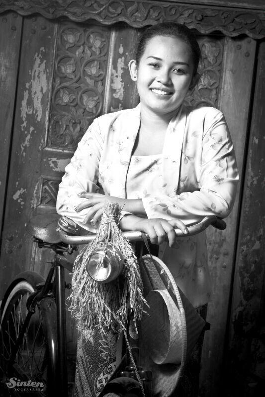 Sinten Photo Studio - Jogjakarta - Me.2