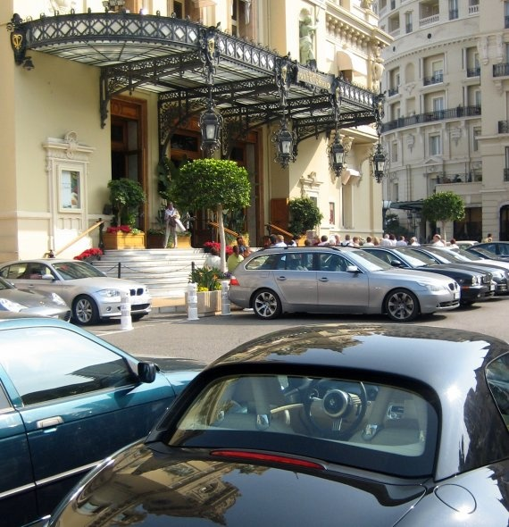 POSH. Monte Carlo is a synonym of glamour, luxury, gambling and sun that attract many famous people from the world of music, cinema, business and royalty.