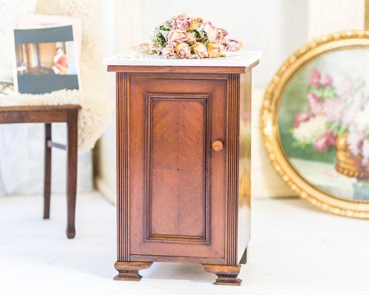 Vintage Schrank Regal Kommode Beistell Tisch Antik