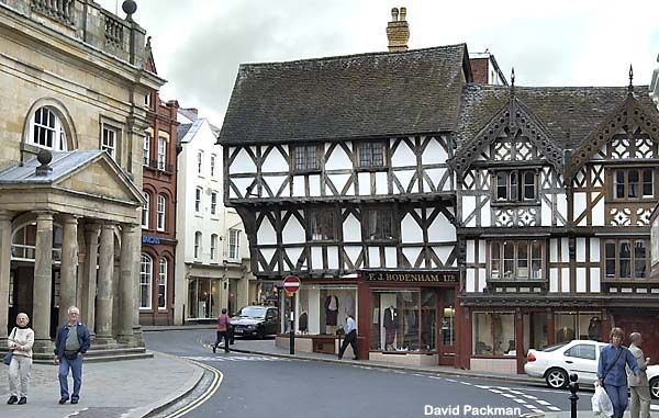 Lovely and genteel #Ludlow, Shropshire #England 'Not particularly near anywhere or easy to reach', it 'dreams under the gaze of its castle.'