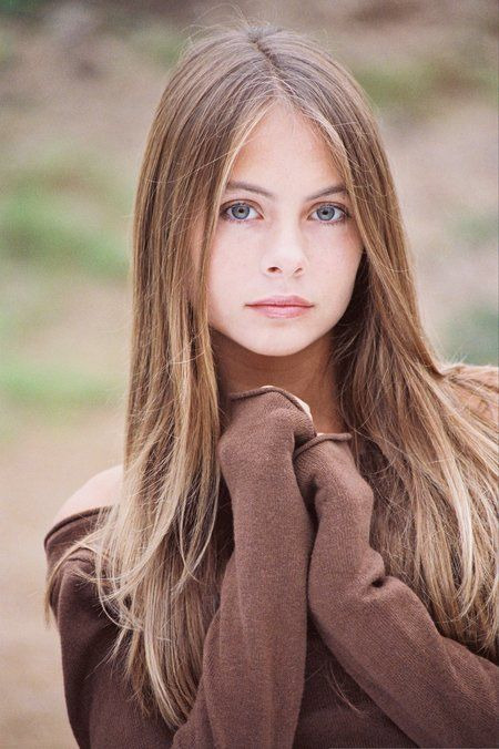 Willa Holland 2000 - She Is So Beautiful & So Young!!