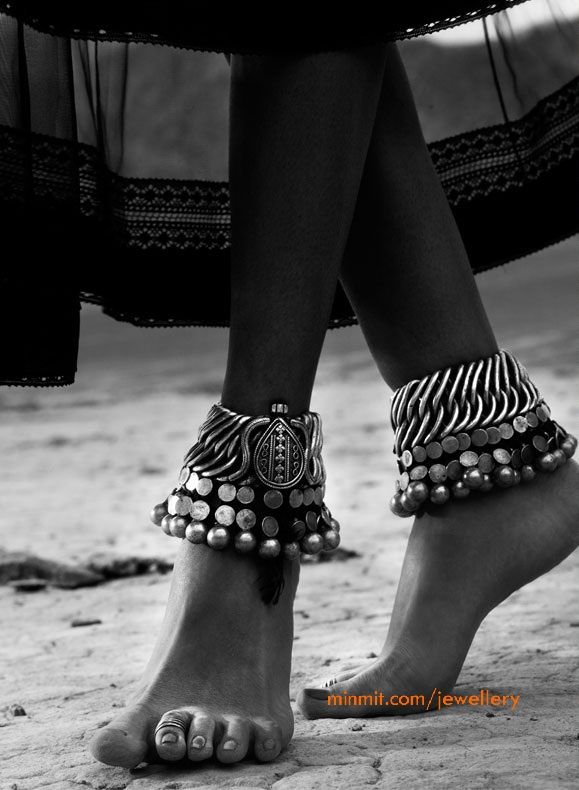 silver-anklets