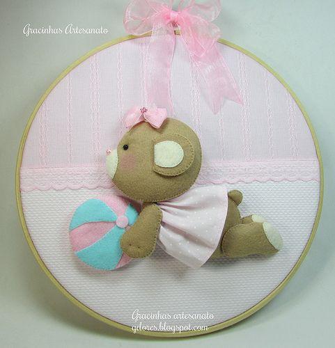 *FELT ART ~ Embroidery hoop craft for nursery decoration