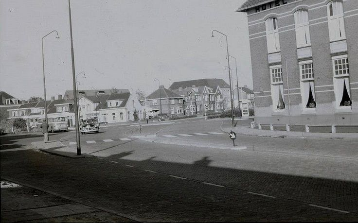 Stationsplein Coevorden - ongeveer weer 60 foto's toegevoegd in de collection van Coevorden. https://www.flickr.com/photos/jenmpictures2012/collections/72157640097277996/